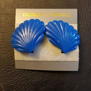 Jewelry - Boutique Blue Clam Shell Clip On Earrings